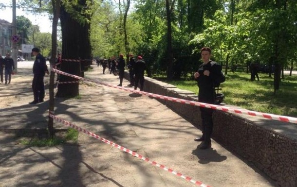 В Одессе третий раз ищут бомбу на Куликовом поле