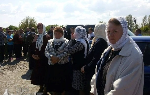 На Ровенщине хотели сбросить в реку авто священника - СМИ