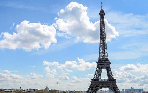 В Париже задержали автобус с украинцами