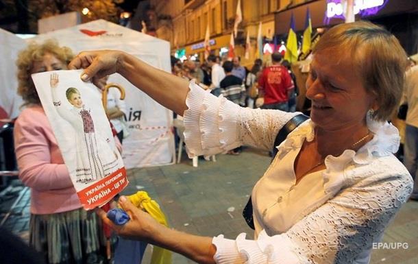 Поток иностранных туристов в Украину резко упал
