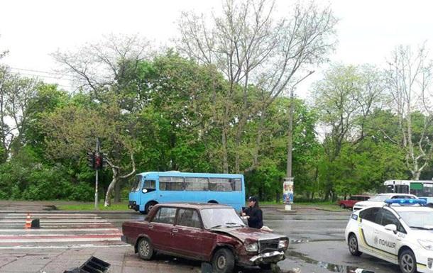 В Одессе ВАЗ сбил четверых пешеходов