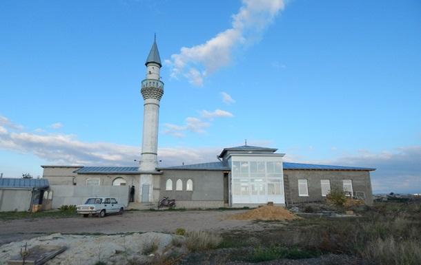 Силовики вивезли з мечеті в Криму імама - адвокат