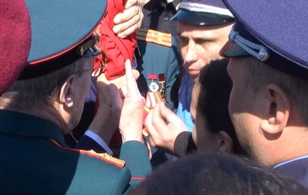 В Черкассах и Николаеве подрались из-за флагов