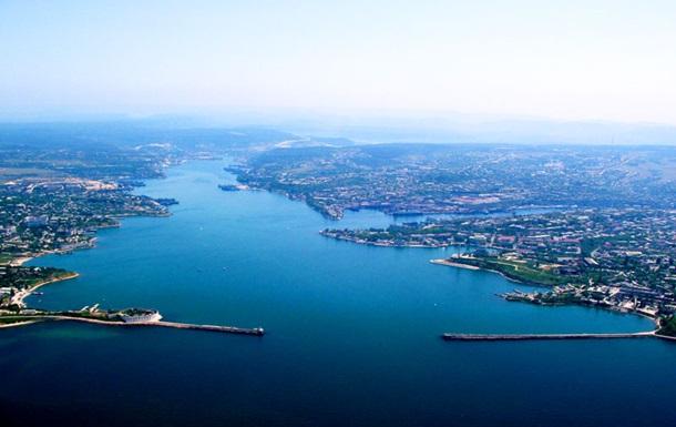В акватории Севастополя произошел разлив нефтепродуктов