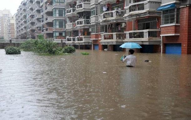 В Китае из-за наводнений и оползней погибло не менее 66 человек