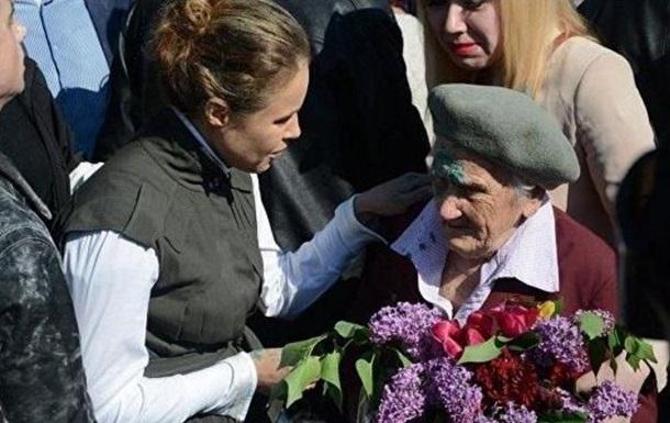 Российские СМИ заживо  похоронили  облитую зеленкой старушку-ветерана