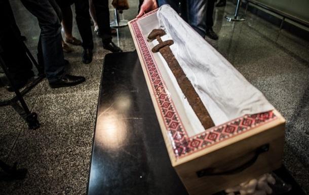 В Минкультуры рассказали о возвращенном мече викингов
