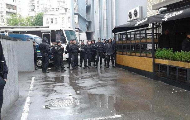 ЛГБТ-фестиваль в Киеве охраняет кордон полицейских