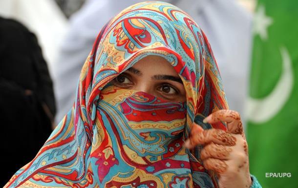 В Болгарии впервые задержали женщину за ношение хиджаба