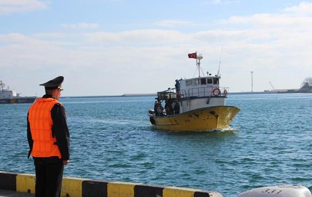 Украина конфисковала турецкую рыбацкую шхуну