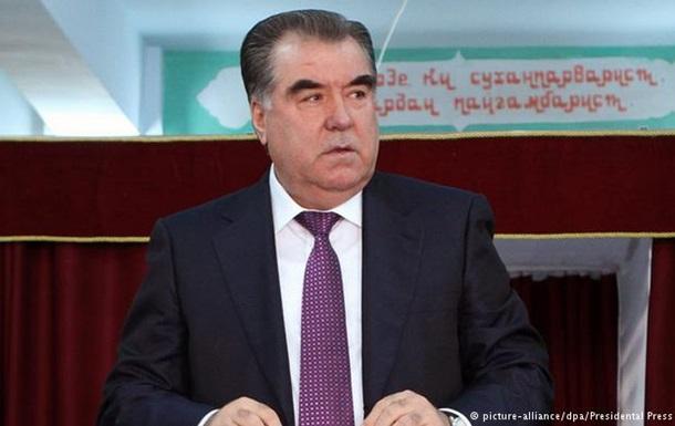 У Таджикистані відбувається референдум щодо безстрокового правління Рахмона