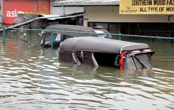 Число жертв наводнений и оползней в Шри-Ланке возросло