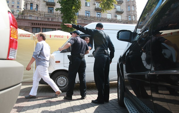 Полиция обстреляла новых подростков-гонщиков