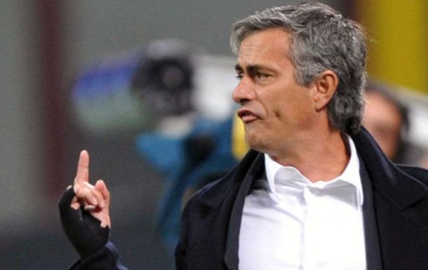 МЮ: подписание контракта с Моуриньо отложено из-за Челси