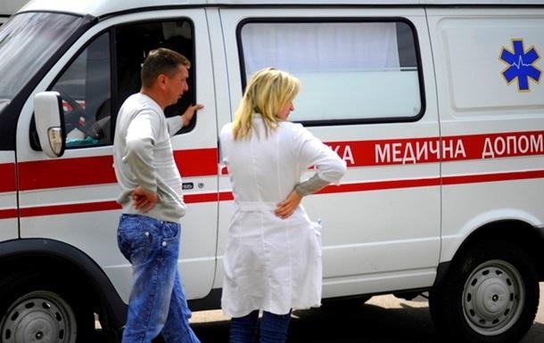 Во Львове при падении балкона пострадали два человека