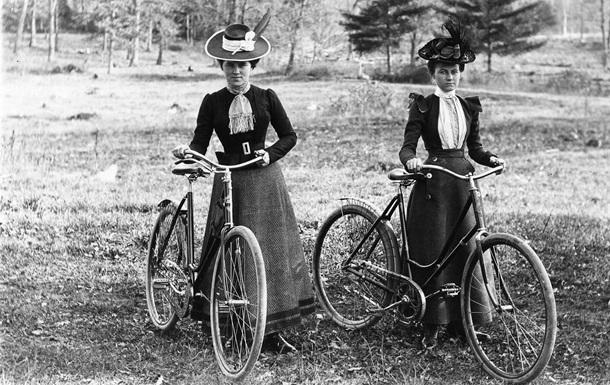 Фанаты двух колес. История появления велосипедов в Украине