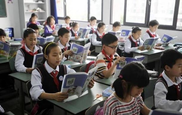 В Китае на школу упала водонапорная башня - СМИ