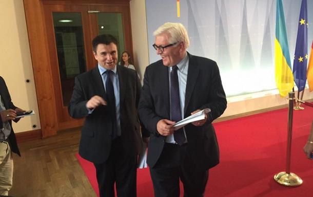 Климкин и Штайнмайер обсудили  дорожную карту  безвизового диалога