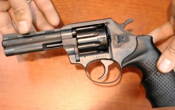 В Киеве восьмиклассник застрелился из оружия отца