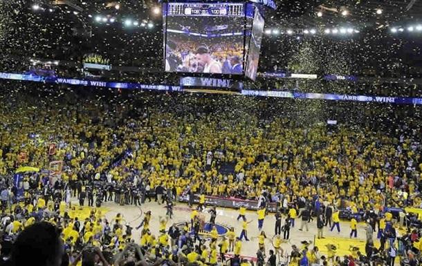 НБА. Представители Кливленда недовольны ценами на билеты в Oracle Arena