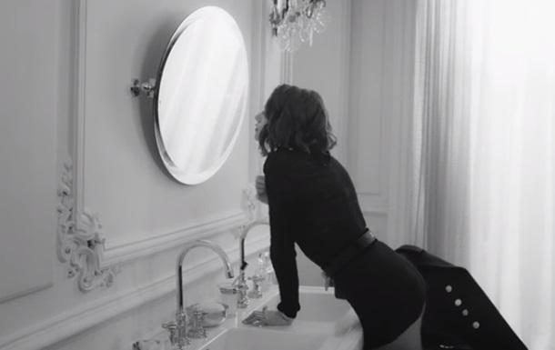 Опубликованы откровенные видео Chanel с Кристен Стюарт