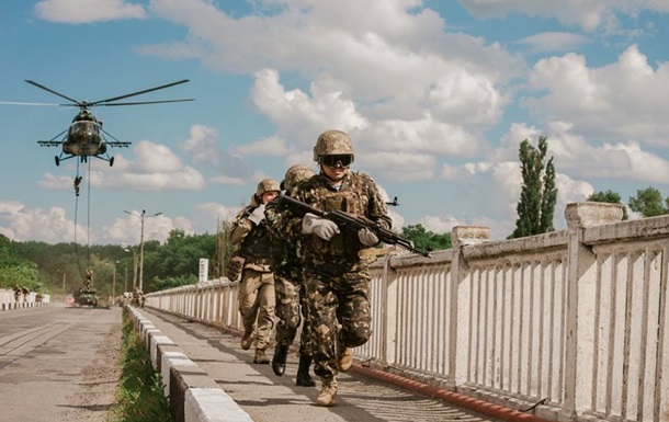 Порошенко одобрил подготовку армии к НАТО