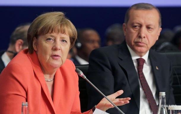 Меркель ответила на критику Эрдогана по геноциду