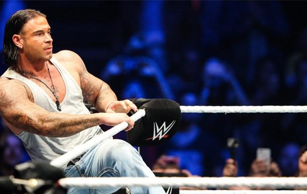 Бывший вратарь сборной Германии стал рестлером и подписал контракт с WWE