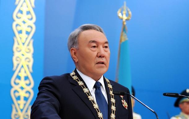 Назарбаев заявил о признаках  цветных революций