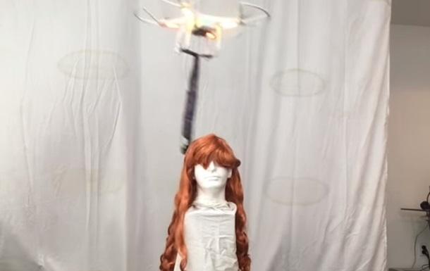 Опасного дрона-парикмахера сняли на видео