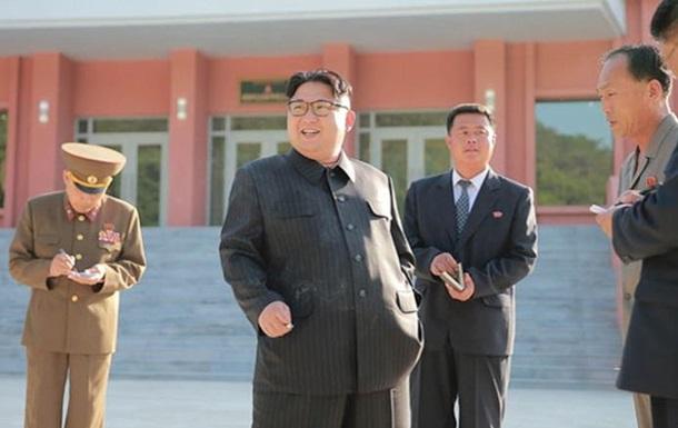 Ким Чен Ын нарушил генеральную линию партии, закурив