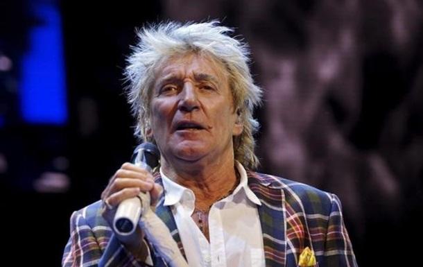 Британский рок-певец Род Стюарт посвящен в рыцари
