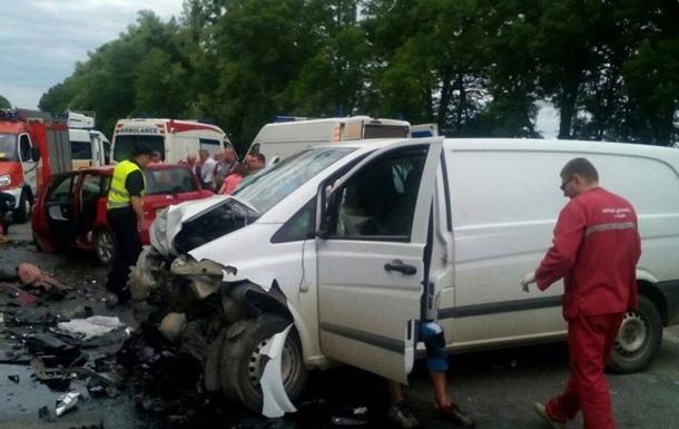 ДТП под Львовом: погибли беременная женщина и ребенок