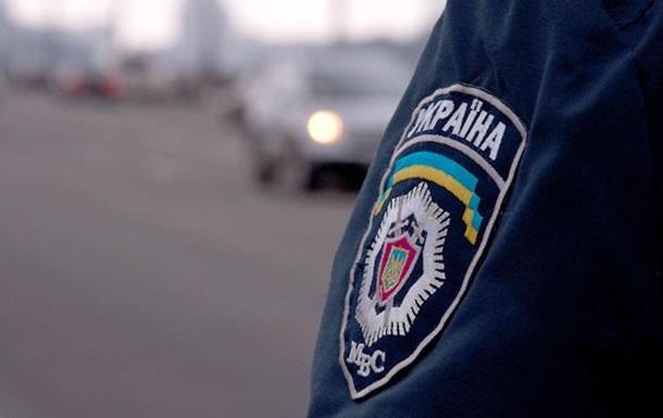 В Киеве пьяные избили полицейского