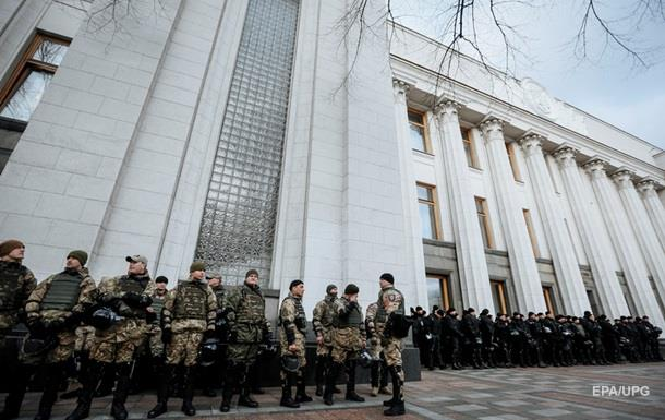 Полиция усилила охрану правительственного квартала