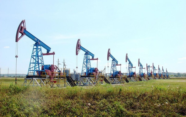 Нефть дорожает впервые за неделю