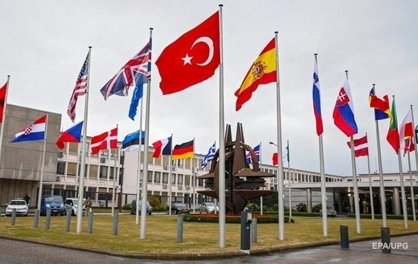 Парламент Черногории поддержал вступление в НАТО