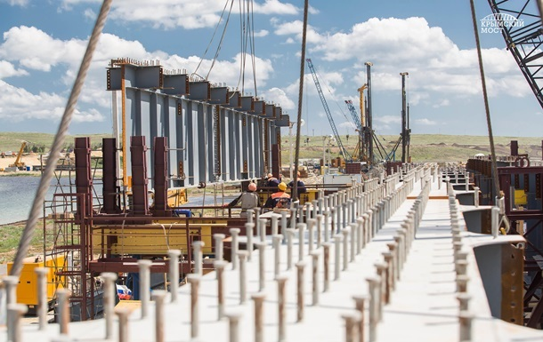 На строительстве моста в Крым погиб рабочий