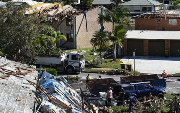 В Австралии сильный ветер срывал крыши с домов