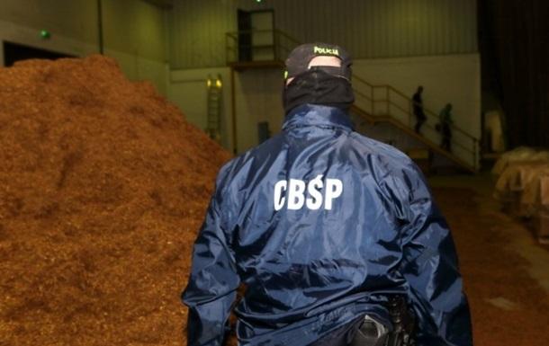 У Польщі викрили підпільну тютюнову фабрику з українцями