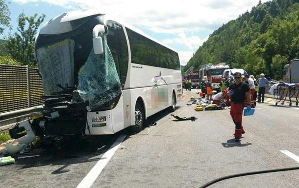 ДТП в Австрии с туристическим автобусом: 46 пострадавших