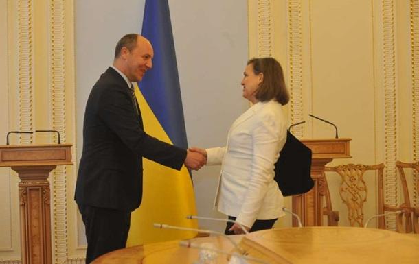 Украина снова просит у США летальное оружие