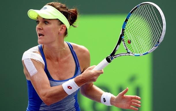 Истборн (WTA). Радваньска обыгрывает Бушар, Бондаренко вылетает