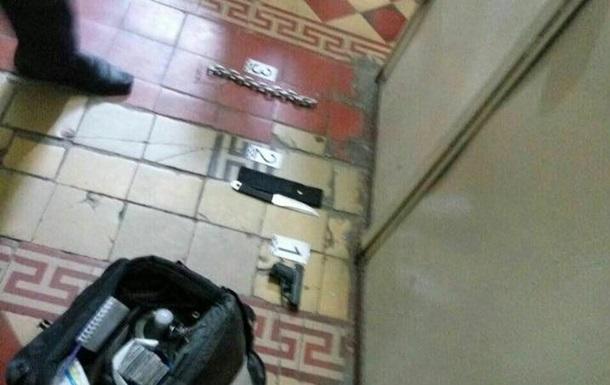 В Харькове вооруженный мужчина напал на стоматологию