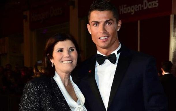 Мать Роналду: Теперь скажите, что мой сын ничего не делает