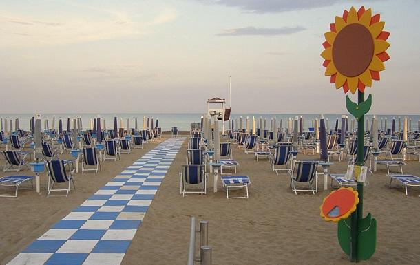 Пляжным туристам в Италии предложат компенсацию за дождь