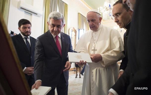 Папа римский во время визита в Ереван осудил геноцид армян