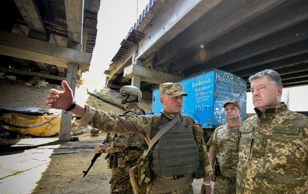 Порошенко проинспектировал опорные пункты ВСУ