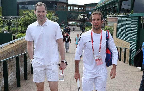 Петр Чех отправился на турнир по теннису в Англии