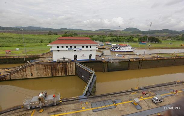 В районе Панамского канала столкнулись суда, есть пострадавшие - СМИ